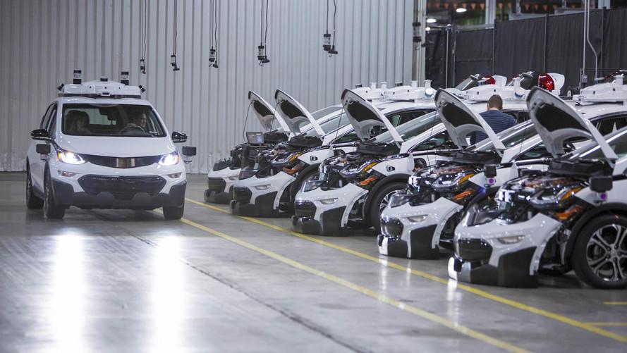 Chevy, 130 araçlık otonom Bolt filosunu yollara çıkardı