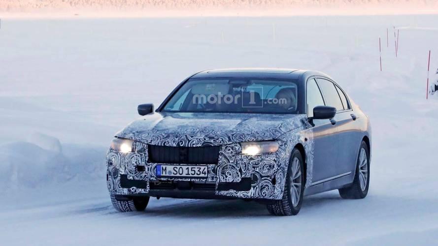 Photos espion - La BMW Série 7 restylée se prépare dans le froid
