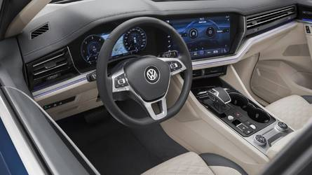 New VW Touareg Detailed On Video Showing Fresh Design, Huge Screen