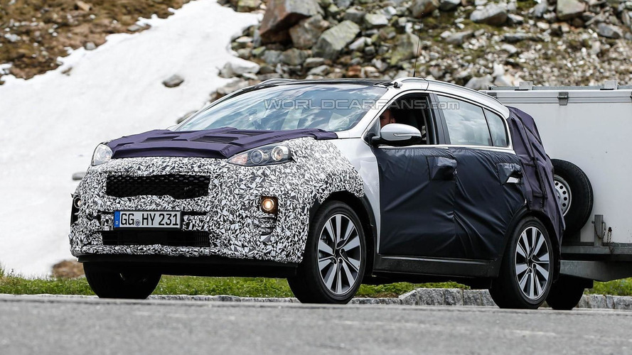 Next generation Kia Sportage spied up close with slightly less camouflage