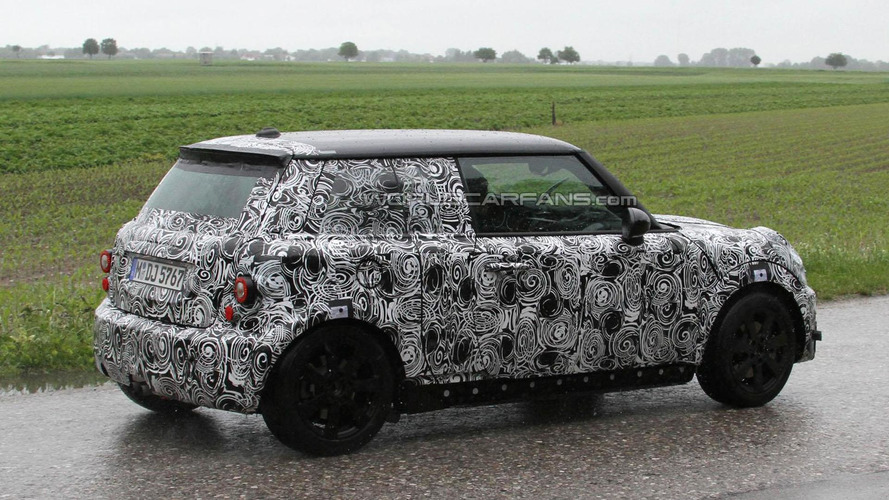 2013 MINI Cooper spied for the first time