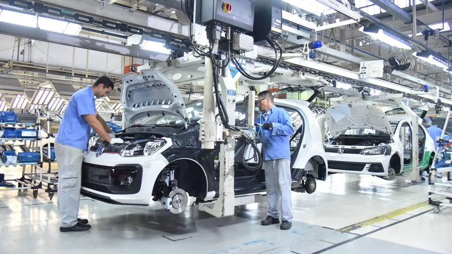 Greve dos caminhoneiros afeta produção de veículos em 16 fábricas no Brasil