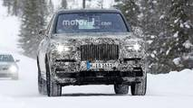 Rolls-Royce Cullinan spotted testing with Range Rover