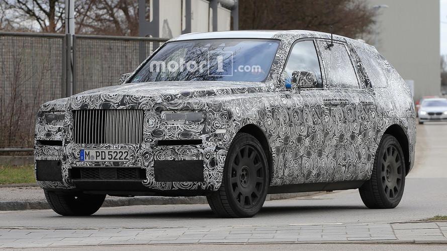Rolls-Royce Cullinan etkileyici duruşuyla Avrupa'da görüldü