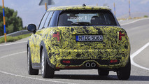 2018 Mini Five-Door Hatch facelift spy photo