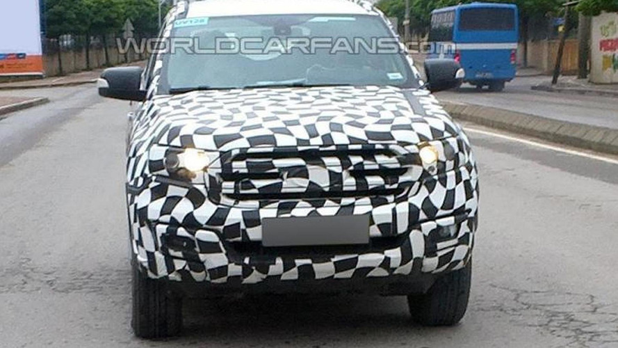 Ford Everest teased, debuts next week [video]