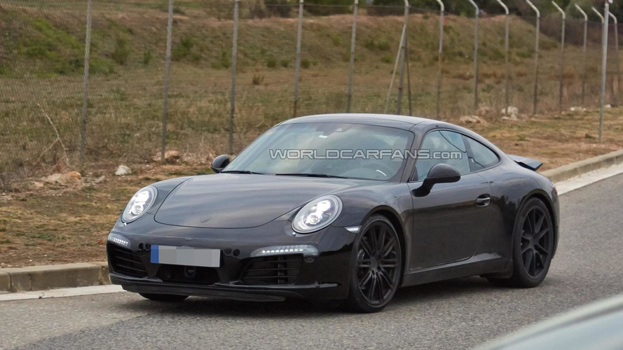 2015 Porsche 911 facelift spied for the first time, could be the rumored Carrera 4 GTS version