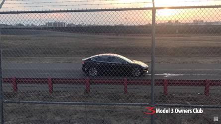 Elcsíphették a Tesla Model 3 izmosabb változatát