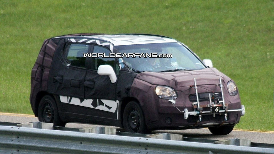 New 2010 Chevrolet MPV Spy Photos