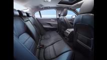 Jaguar divulga detalhes e fotos do XE, que pode ser produzido no Brasil