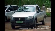 Fiat Strada EL? Nova versão da pick-up com dianteira de farol simples é flagrada