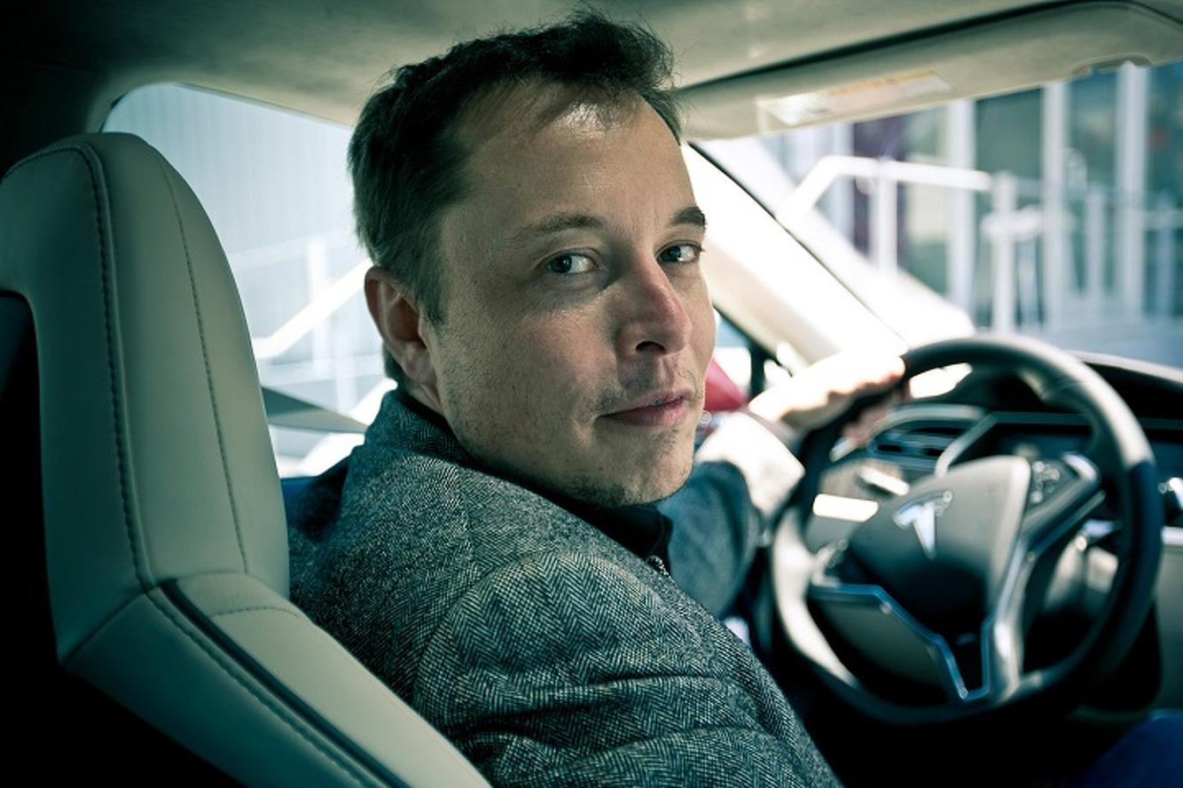 Elon Musk, Tesla'nın Facebook sayfasını sildi