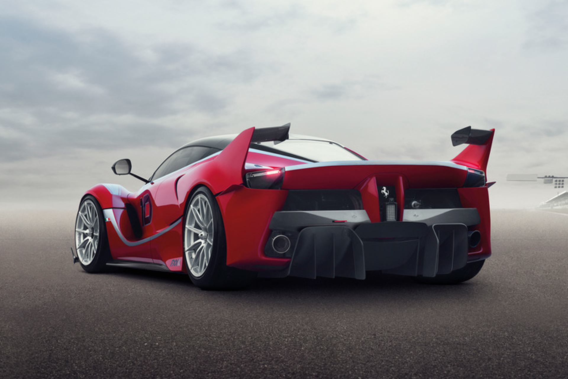 Ferrari FXX K or McLaren P1 GTR: Which Is More Extreme?