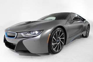 BMW i8 Auctions for an Insane $825K: Pebble Beach