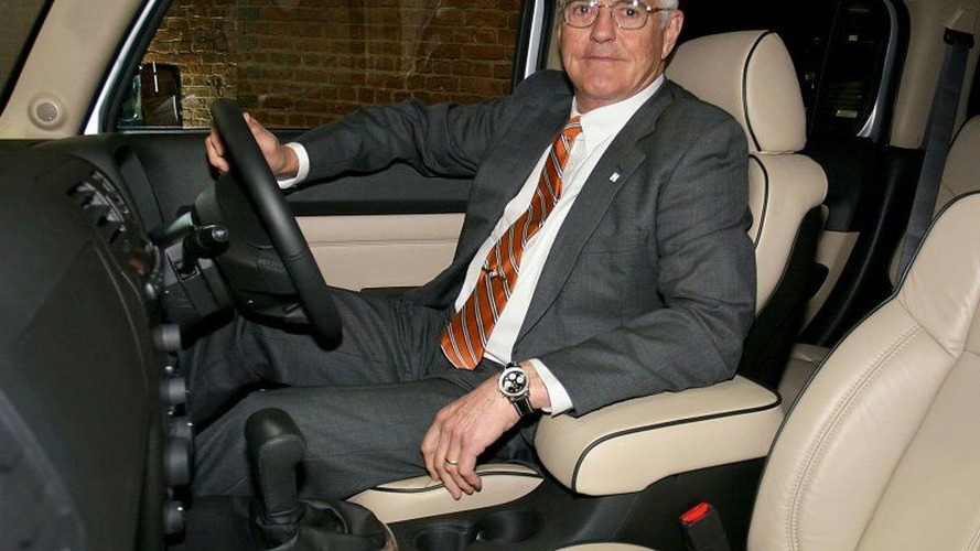 Bob Lutz changes mind about retiring - will stay on at GM