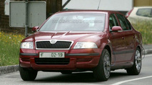 SPY PHOTOS: Skoda Octavia Facelift