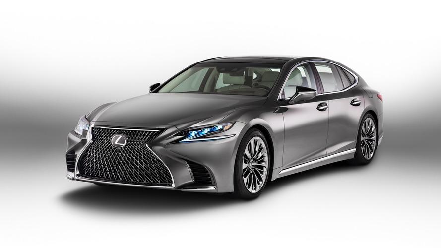 Lexus yöneticisi: Sedanlar gelişmeli ya da ölmeli