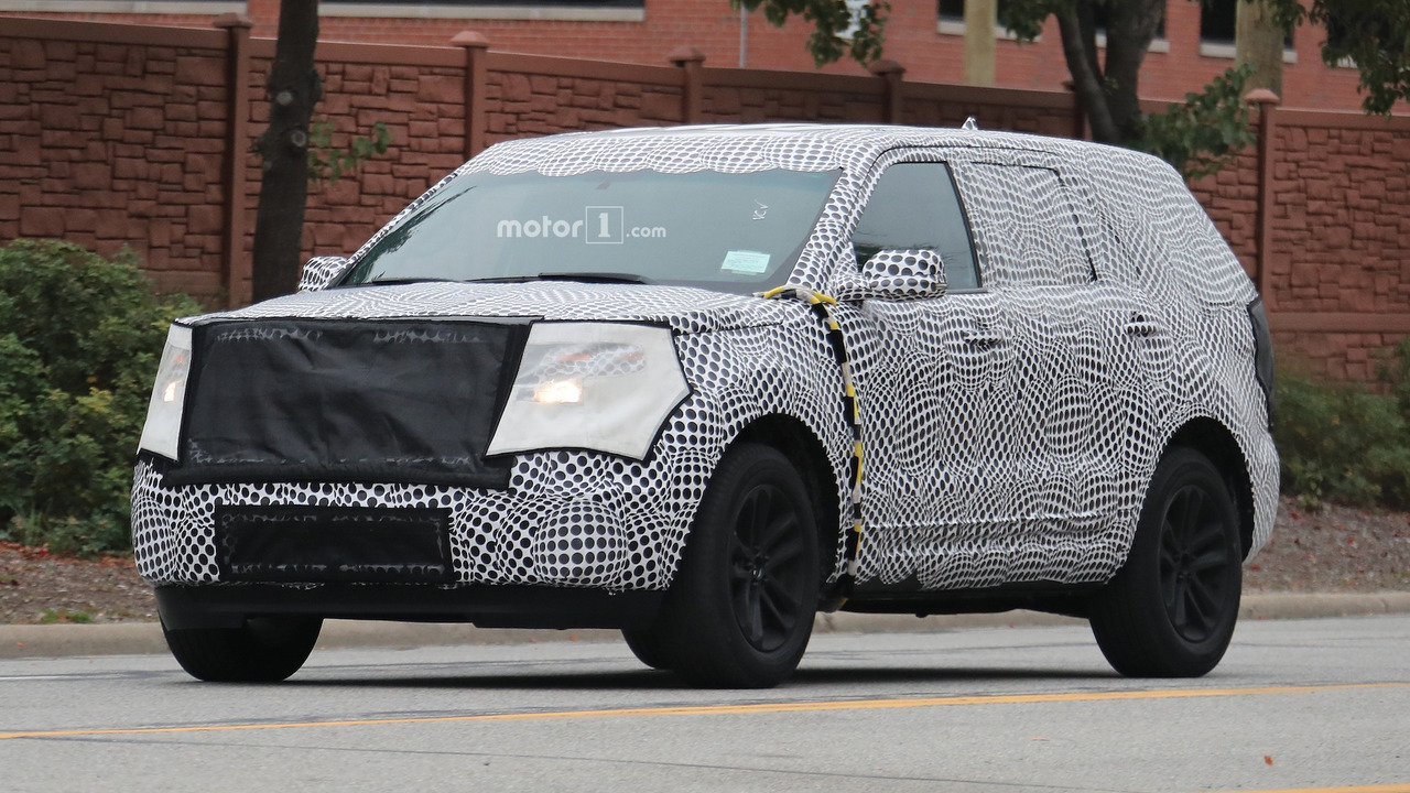2019 Ford Explorer spied again