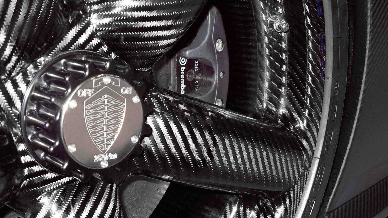 2013 Koenigsegg Agera R carbon fiber wheel 02.03.2012