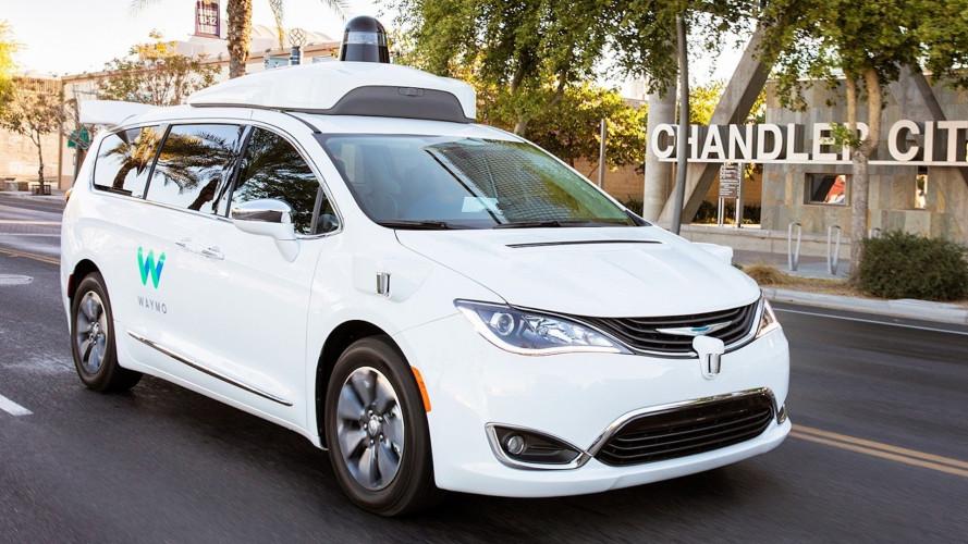 FCA, migliaia di Chrysler a Google per la guida autonoma