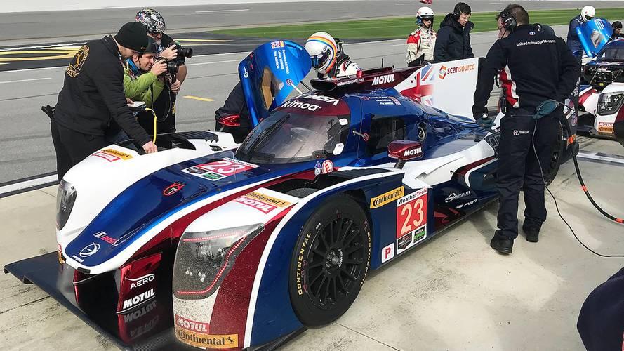 Alonso acaba sexto en su primer entrenamiento en Daytona
