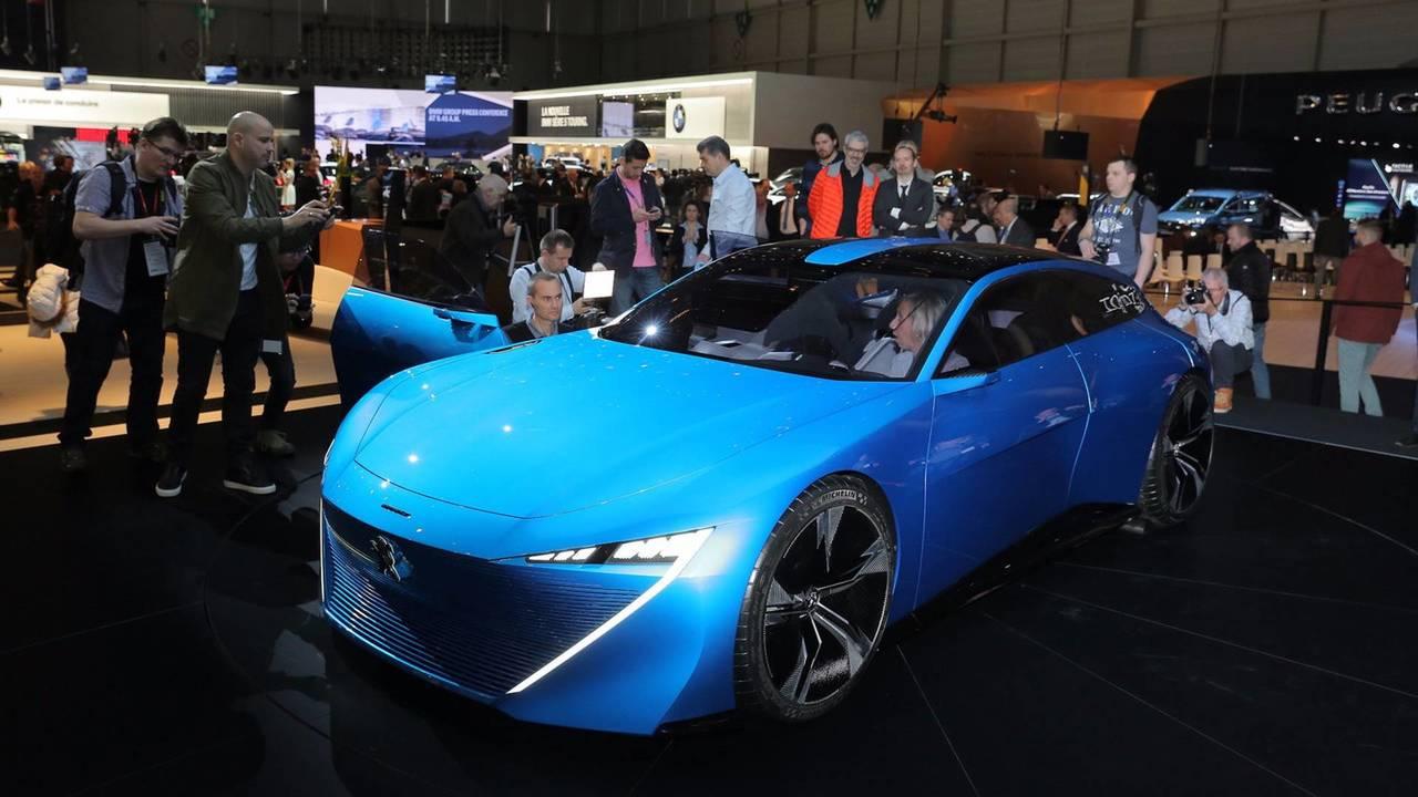 2 - Un design inspiré du concept Peugeot Instinct