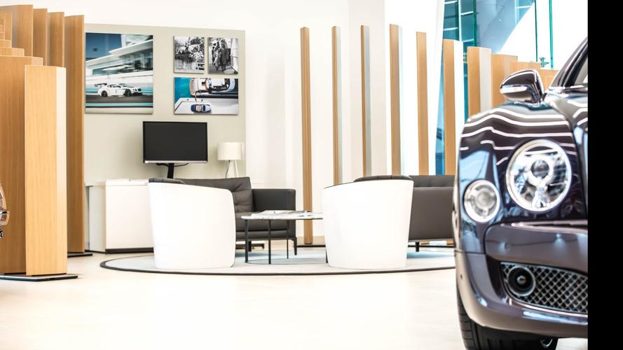 Bentley'nin Dubai'deki showroom'u burjuvalara hitap ediyor