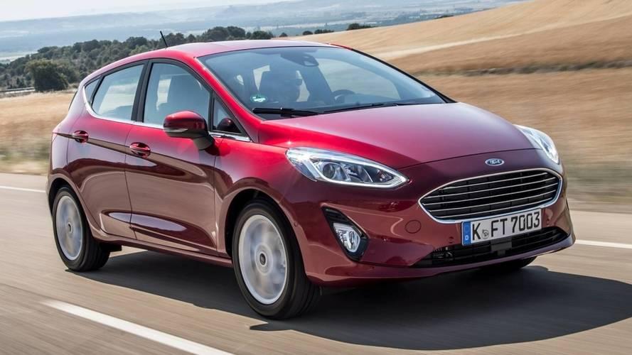 Mais vendidos no Reino Unido: Fiesta ainda lidera, mas VW bate Ford pela 1ª vez