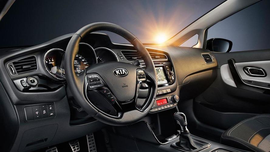 2013 Kia Cee'd - new photos released reveal interior