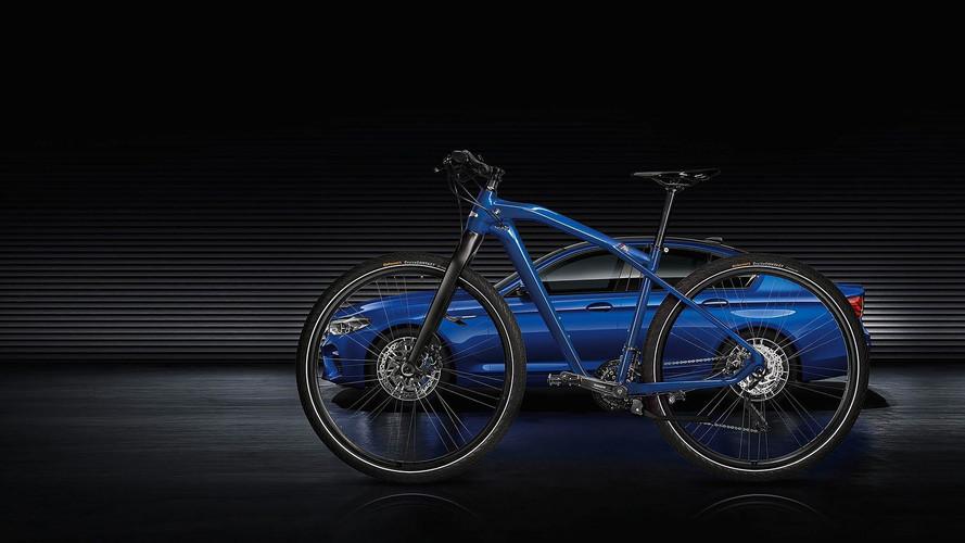 BMW M Bike - Inspiré de la nouvelle BMW M5 F90