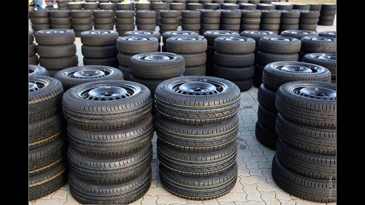 ADAC untersucht Reifenlagerungs-Service