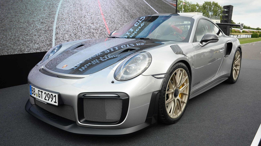 Porsche 911 GT2 RS Storms Into Goodwood With 690 Horsepower