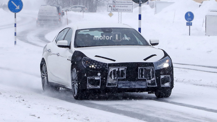 2018 Maserati Ghibli facelift spy photos