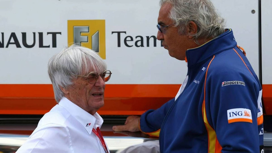 Ecclestone suggests Briatore could prove innocence