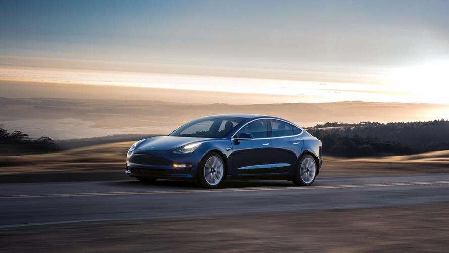 Tesla Model 3'e performanslı versiyon geliyor
