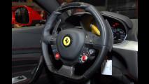 Dentro la Ferrari FF al Salone di Ginevra 2011