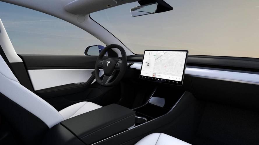 Tesla Model 3, ora disponibile anche in versione Performance