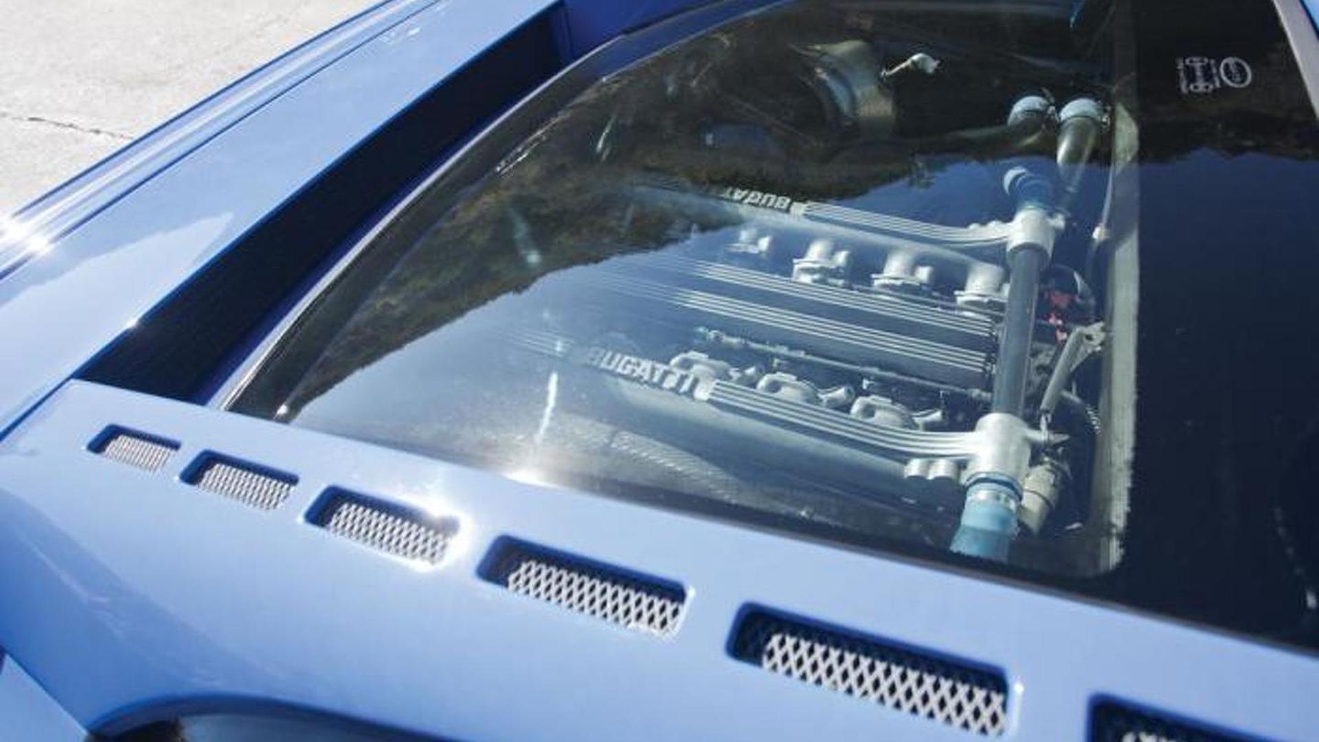 Двигатель под стеклянной крышкой Bugatti EB110 GT