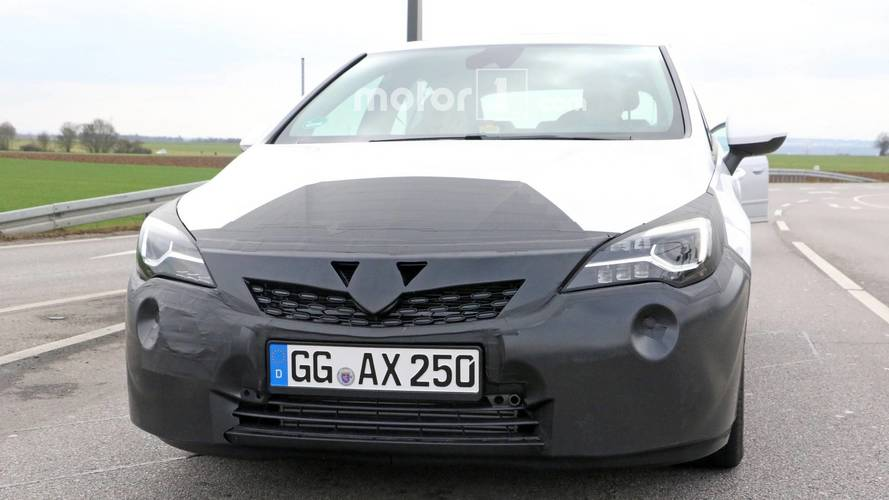 Vauxhall Astra facelift spied for the first time with new front