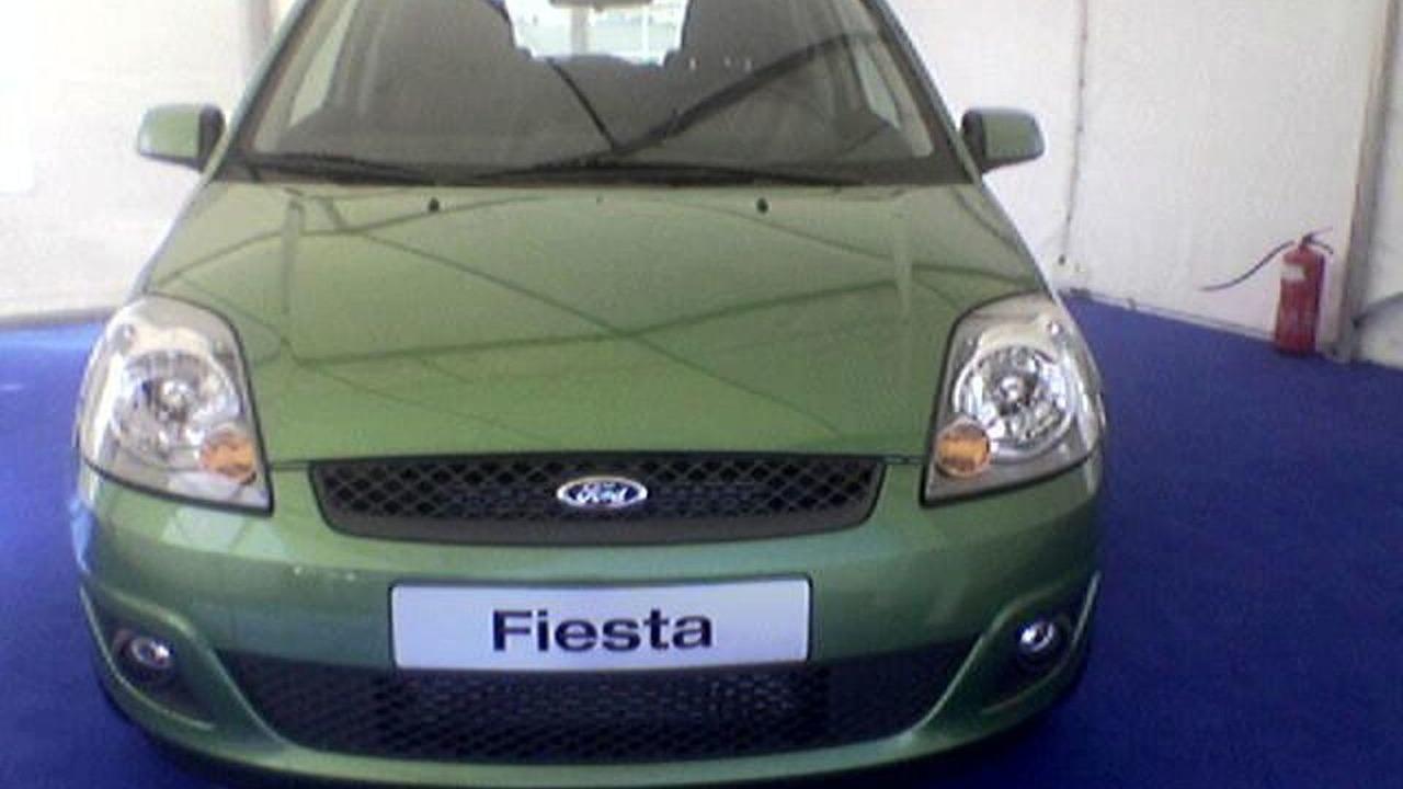 Ford Fiesta Facelift Spy Photos