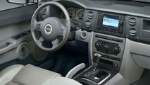 2006 Jeep Commander Goes On- and Off-Road