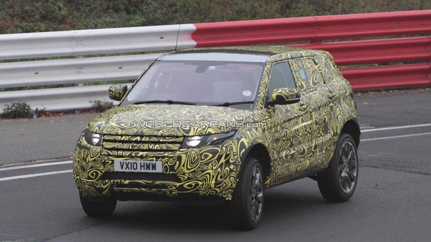 Land Rover Evoque 5-door spied testing on the Nürburgring
