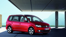 2011 VW Touran Facelift first photos 09.04.2010