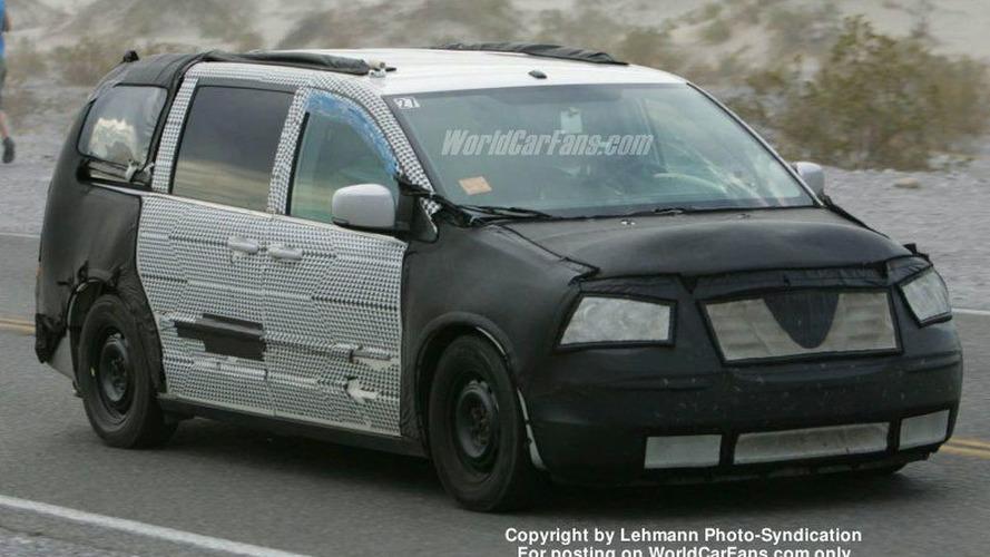 SPY PHOTOS: New Chrysler Caravan