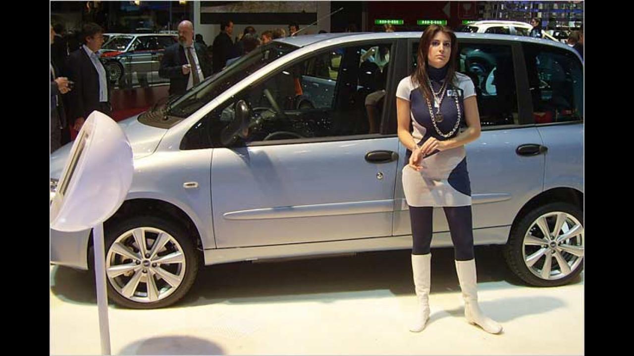 Trotz Facelift: Der Fiat Multipla scheint dieser Dame immer noch nicht zu gefallen ...