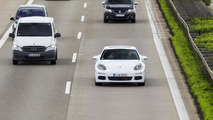 Porsche says Panamera S-E Hybrid consumed 4.4 liters / 100 km during 42 journalist test drives