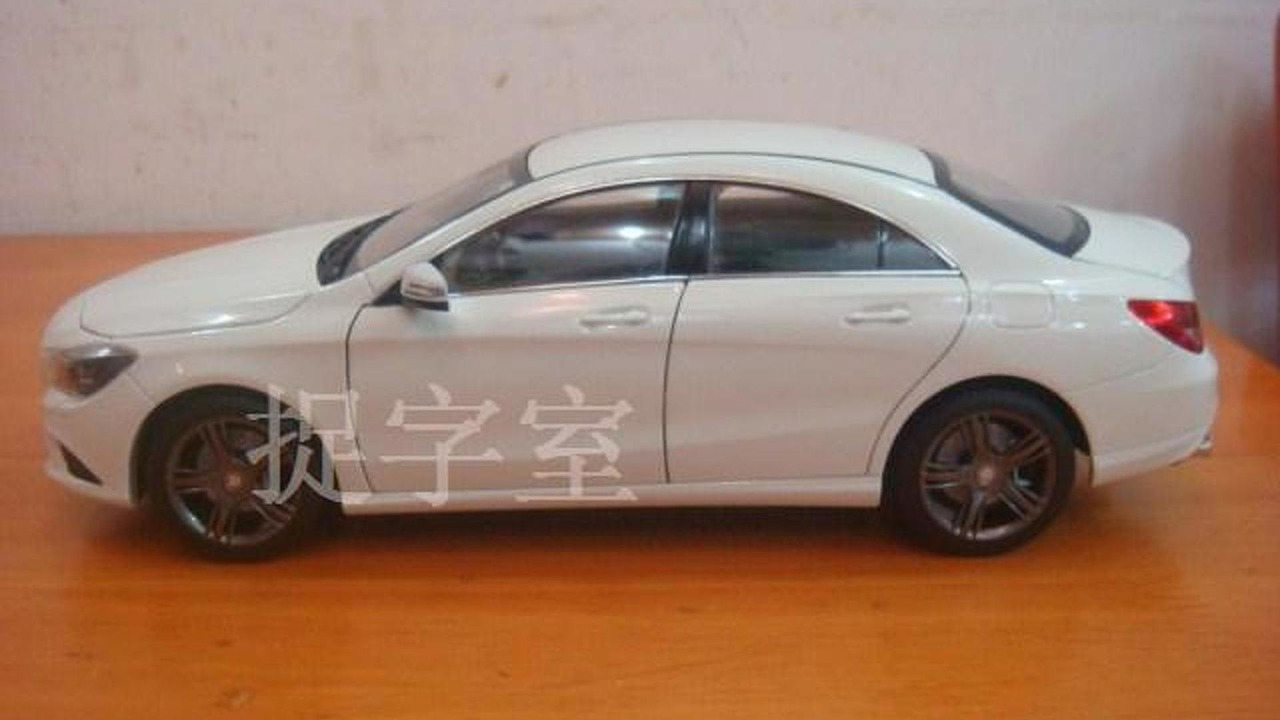Mercedes-Benz CLA 1:18 die cast model
