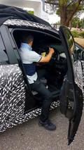 Nissan Leaf iç mekân casus fotoğrafları