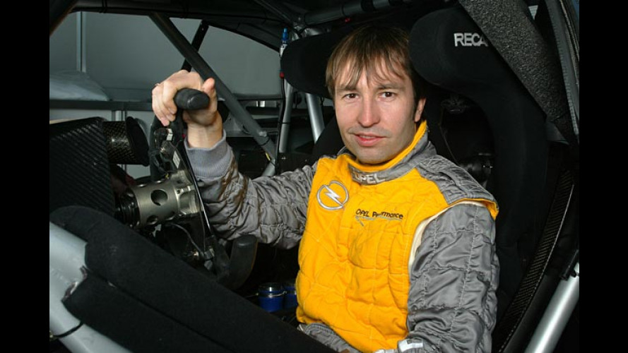 Heinz-Harald Frentzen fährt 2004 für Opel in der DTM