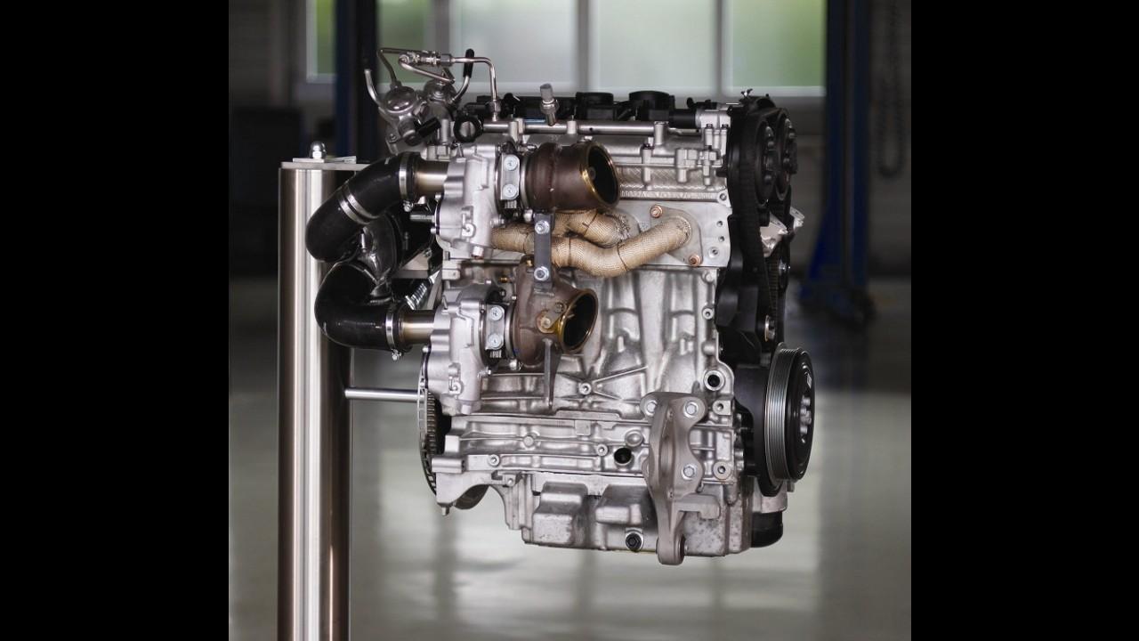 Volvo apresenta motor 2.0 quatro cilindros tri-turbo com 450 cavalos